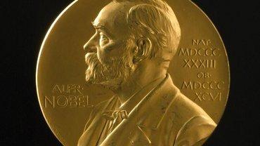 Лауреатом Нобелевской премии по литературе стал Кадзуо Исигуро - фото 1