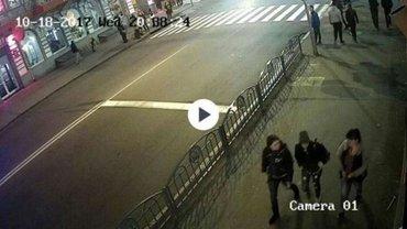 В Харькове пешеходов сбила девушка на Lexus - фото 1