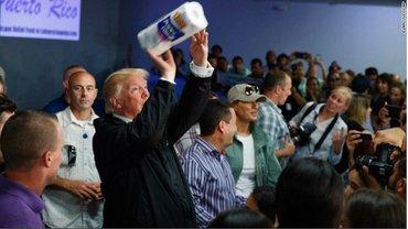"Презиеднт США ""оказал"" помощь пострадавшим - фото 1"