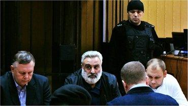 На Петроса Саркисяна надели наручники в зале суда - фото 1
