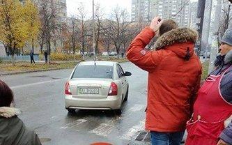 Прохожие не смогли отбить женщину у похитителей - фото 1