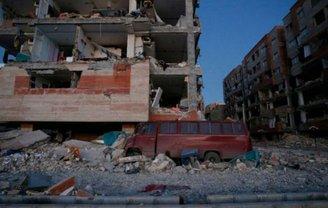 В Иране и Ираке погибли люди от мощного землетрясения - фото 1