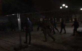 Полицейские захватили часть палаток под Верховной Радой - фото 1