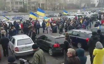 Выезд автоколонны состоялся в 11 утра от парка им. Шевченко в Киеве. - фото 1