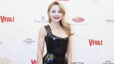 Тина Кароль покорила красотой в сексуальном платье на съемке с Harper's BAZAAR - фото 1