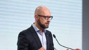 Яценюк заявил новые подробности о захвате Крыма - фото 1