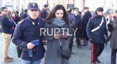 Журналистку Анастасию Товт задержали во время съёмок репортажа - фото 1