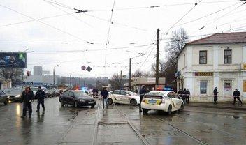 В Харькове неизвестный забаррикадировался в отделении Укрпочты - фото 1