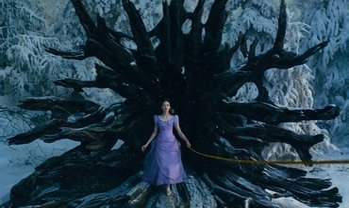 Щелкунчик и Четыре королевства трейлер онлайн - фото 1