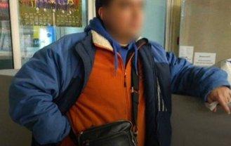 Депутат одного из райсоветов Днепра пытался украсть продукты в супермаркете - фото 1