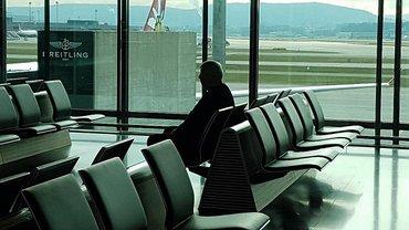Шокин в аэропорту Цюриха - фото 1