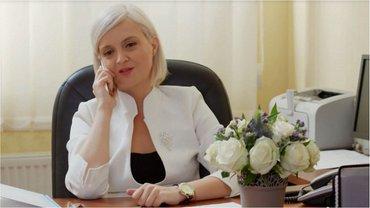 "Завуча Дарину Петровну из сериала ""Школа"" на 1+1 сыграла Елена Курта - фото 1"