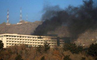 20 января несколько боевиков напали на отель в Кабуле - фото 1