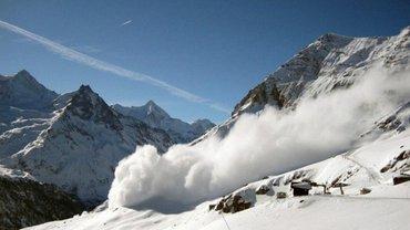 В Карпатах высокая лавинная опасность - фото 1