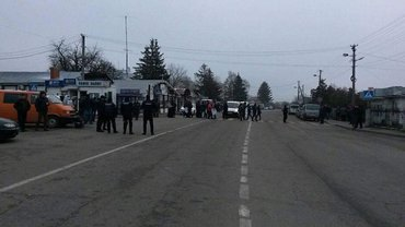 На границе с Польшей очереди из-за блокирования транспорта - фото 1
