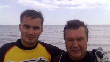 Виктор Янукович-младший покинул Украину вместе с отцом - фото 1