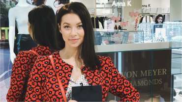 Полина Логунова снялась в белье перед зеркалом - фото 1