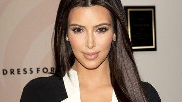 Ким Кардашьян набрала 30,4 миллиона лайков на одном фото - фото 1