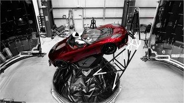 В космос отправят Tesla Roadster - фото 1