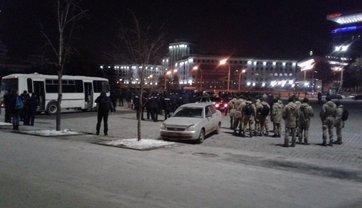 В Харькове массовая драка футбольных фанатов - фото 1