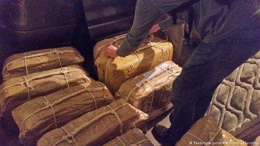 Кокаин из российского посольства могли переправлять через Уругвай - фото 1