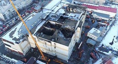 Эвакуации людей из сгоревшего ТЦ в Кемерово помешали незаконные перепланировки - фото 1