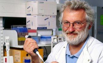 Джон Салстон был первопроходцем в сфере генетических исследований - фото 1
