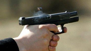 Студент убил родителей из пистолета отца - фото 1