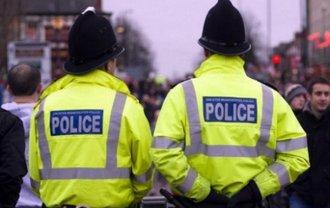 Полиция Британии с целью безопасности связалась с россиянами, которые получили убежище - фото 1