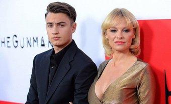 Сын Памелы Андерсон избил биологического отца за оскорбление матери - фото 1