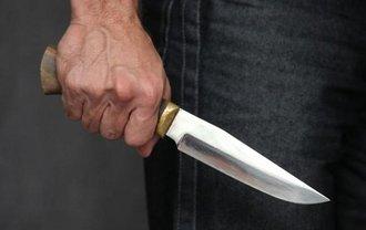 Россиянин напал с ножом на врача-терапевта в оккупированном Крыму - фото 1