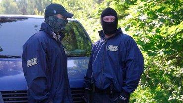 Российские пограничники отбирают у боевиков паспорта - фото 1