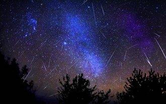 В Киеве звездопад Лириды будет видно с 21:00 22 апреля до 5:00 23 апреля - фото 1