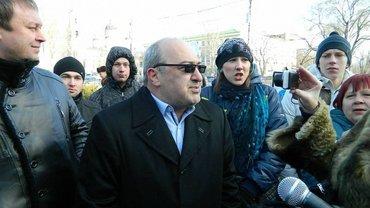 """Армена Саркисяна подозревают в организации """"титушек"""" - фото 1"""