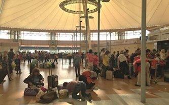 Более 200 украинцев не смогли вылететь из аэропорта египетского Шарм-эль-Шейха - фото 1