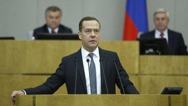 Медведев уйдет в оставку в мае - фото 1