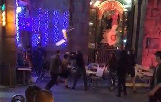 В центре Киева устроили погром в турецком кафе - фото 1