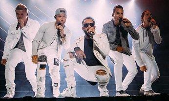 Backstreet Boys примерили образы Spice Girls - фото 1