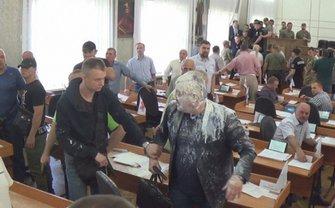 Конфликт между депутатами и активистами «Правого сектора» - фото 1