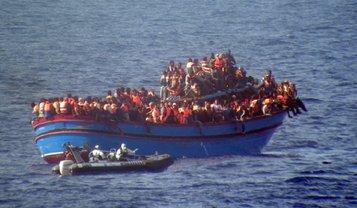 В Средиземном море спасли 1500 мигрантов - фото 1