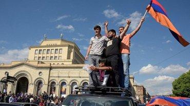 Активисты разблокировали дороги в Ереване - фото 1