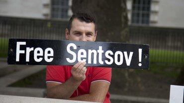 В Лондоне прошла акция в требованием освободить Сенцова - фото 1