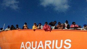 Спесенные у берегов Ливии беженцы обратились к Франции - фото 1