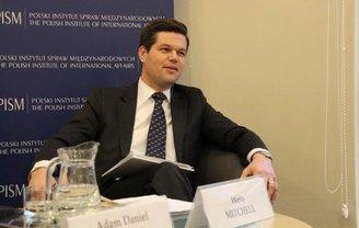 Уэсс Митчел заявил о снятии ограничений на оказание военной помощи Украине - фото 1