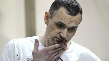 Сенцова будут кормить принудительно, если будет угроза его жизни - фото 1