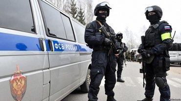 ФСБ отпустила задержанных в Крыму моряков без паспортов - фото 1