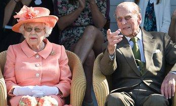 Королева Елизавета II запретила мужу жарить барбекю - фото 1