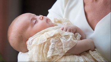 На крестинах принца Луи не было  Елизаветы II - фото 1