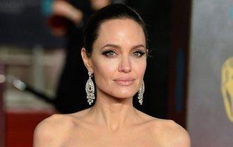 Анджелину Джоли настраивают против Кейт Миддлтон - фото 1