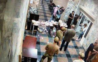 НАБУ опубликовало видео, как неизвестные ворвались в здание бюро - фото 1